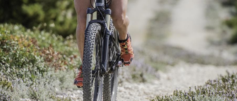 női kerékpáros cipő
