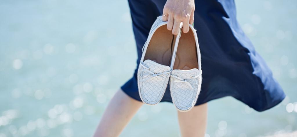hogyan lehet megszabadulni az új cipő szagától