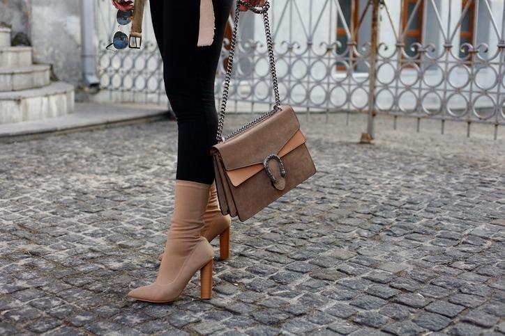 nubukból készült cipő