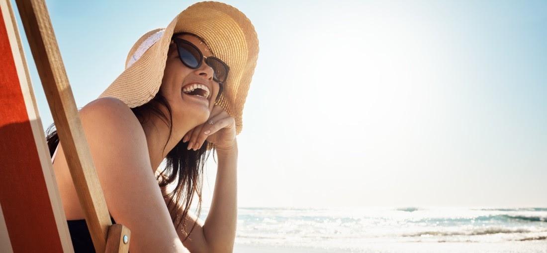Lány napszemüvegben